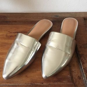 A NEW DAY metallic silver mules
